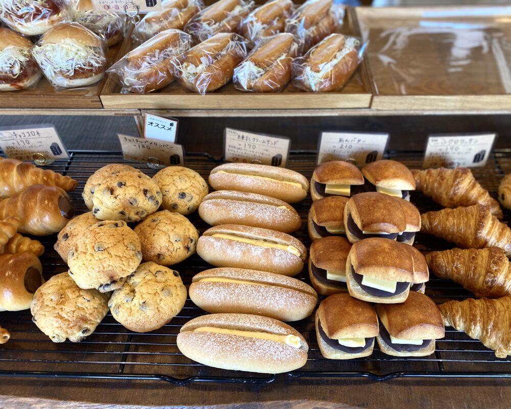 やま市パン商店 パン